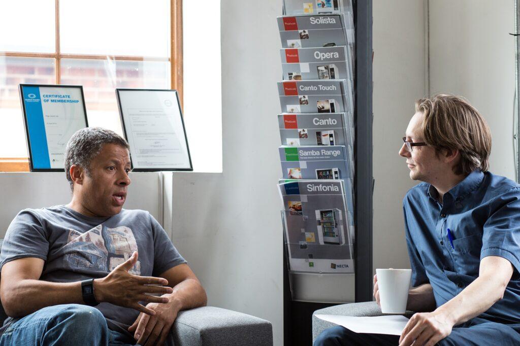 Ura-agentti, uusi palvelu työnantajan vaihtamisesta kiinnostuneille lääkäreille